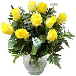 Trandafiri galbeni