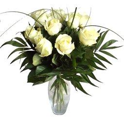 9 trandafiri albi