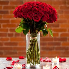 Sending Red Roses | Send Roses to Milan | FlorPassion Luxury Florist