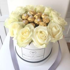 Flowers Box - Ferrero Rocher e Rose Bianche - Million Flowers
