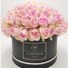 Pink Roses Box | Million Flowers by FlorPassion Milano| Send Flowers
