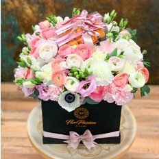 Flower Box and Macarons | FlorPassion Local Florist Milan Monza Como