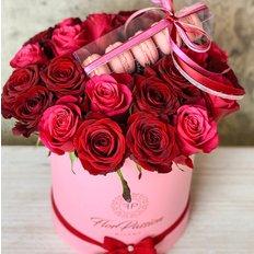 Box Rose e Macarons | Regalo San Valentino | Fiorista FlorPassion