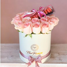 Pink Roses and Macaron Box | Birthday Flowers to Milan Monza Como | FlorPassion
